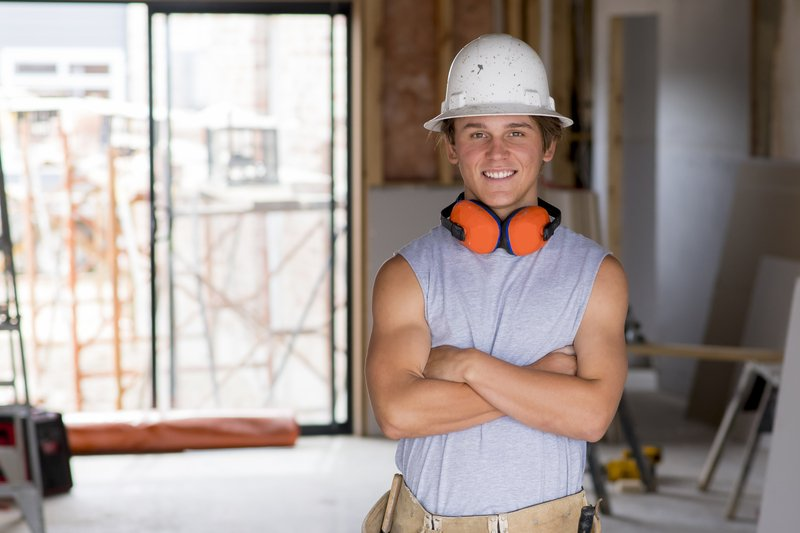 How does a CIS sub-contractor get paid through EEBS?